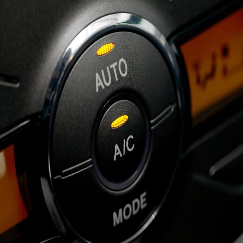 Revisión y cambio de aire acondicionado para coche en Santomera
